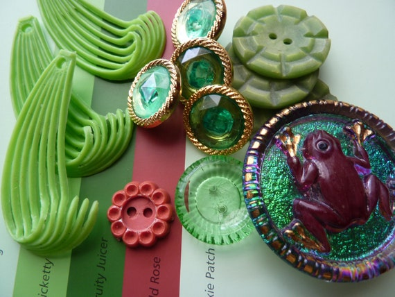 Forest Garden 8 - Vintage button and embellishment pack. 13 fab pieces