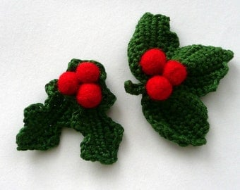 Christmas crochet Holly berry brooch decoration green leaves felted red berries wool gift eco decor winter wreath Europe favor mistletoe