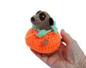 Halloween Pumpkin Meerkat, knitted meerkat, crochet pumpkin, halloween meerkat, meercat