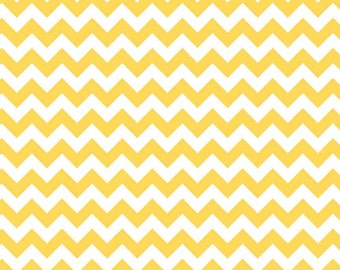 Riley Blake Designs, Small Chevron in Yellow (C340 50)