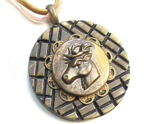 COUPON Brass Reindeer Vintage Button Necklace Sporting Button