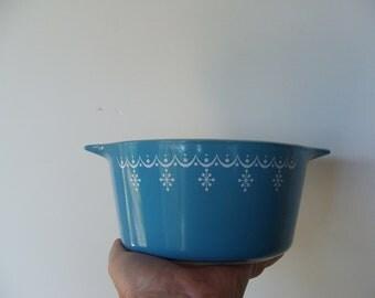 Vintage Pyrex Snowflake Bowl or Baking Dish
