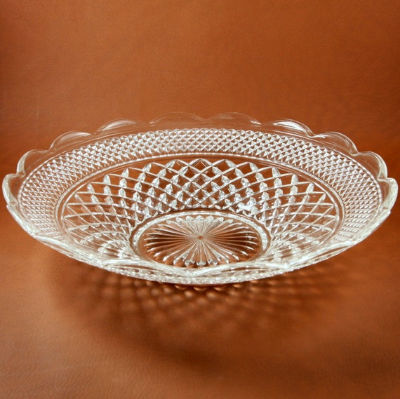 Wexford glass shallow bowl inch anchor hocking vtg
