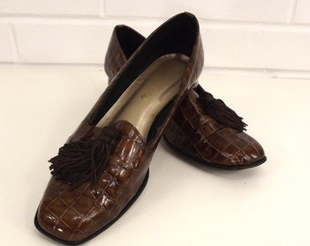 Vintage 80's Loafers, Slip On Shoes, Size 8, Faux Crocodile Alligator Shiny Brown Tassel Shoes, Chunky Heel, Magdesians, Professional Women