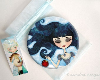 Snow White Poisoned 3.5 Pin Back Button