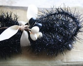 Jet Black  Wired Feather Tree Tinsel Garland 40 Inches Halloween Tinsel Trim