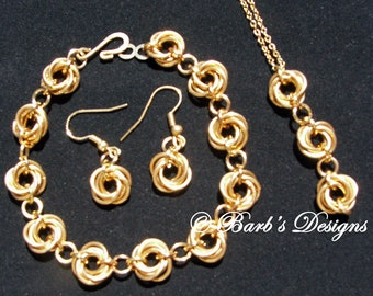 Unusual Chainmaille Bracelet Earrings And Pendant 3 Piece Set In Jewelers Brass And Gold Plate