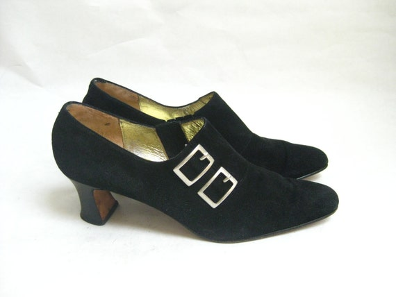 Vintage 80s  Suede Buckle  Ankle Booties. Size 8 AA