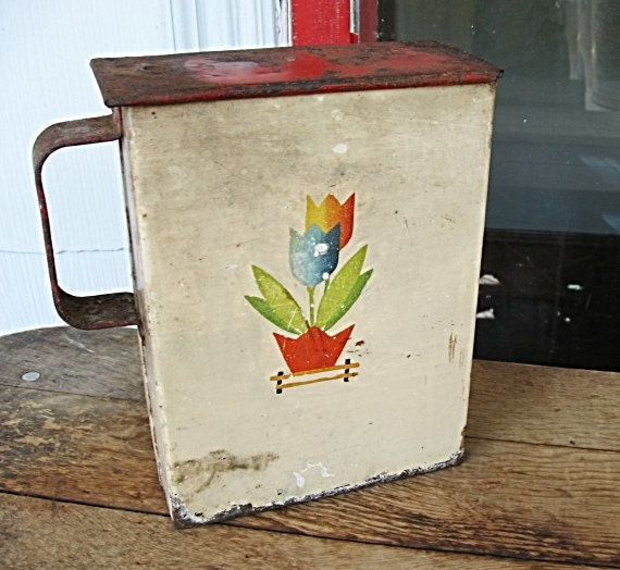 Vintage 1930's Depression Worn Red and White Laundry Soap Tin Bucket w Tulips
