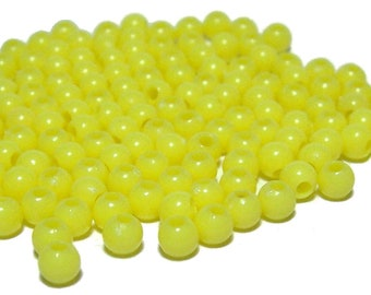 4mm Smooth Round Acrylic Beads in Lemon 200 beads