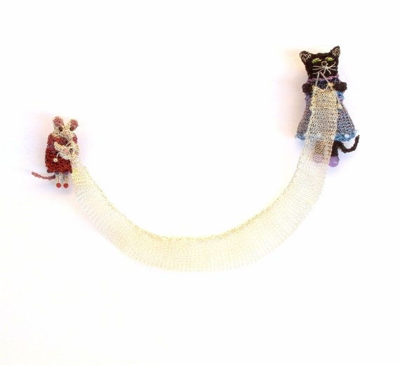 Cat and mouse knitting double brooch