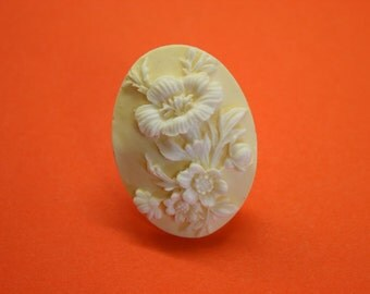 SALE Large Cream and Ivory Hibiscus Cameo Ring