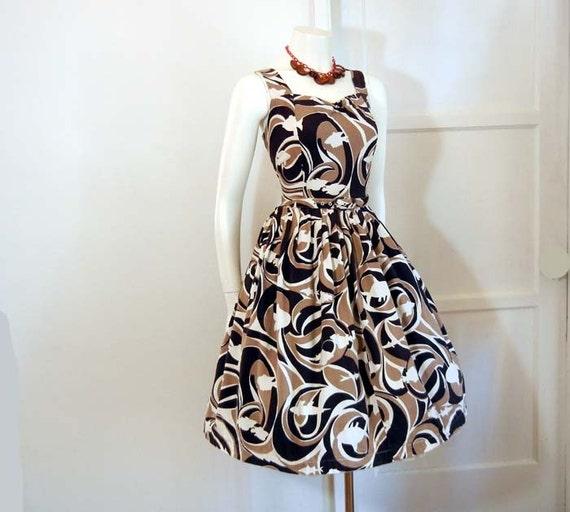 50s dress / Sea Life Silhouettes Vintage 1950s Fish Novelty Print Full Skirt Dress