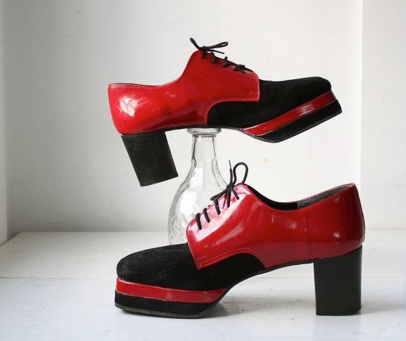 vintage platform shoes. Men 11.5 / Wom 12.5 / Red patent, black suede / retro disco / back to school / the DEVIL'S FOOD oxfords