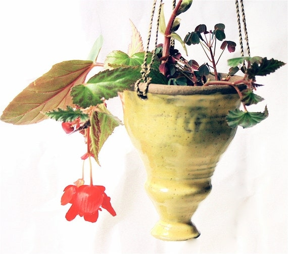 Hanging Yellow  Planter in  Stoneware with Filial