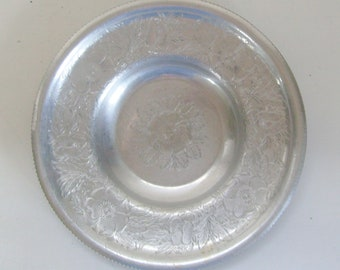 Vintage Wilson's Specialties hand wrought aluminum serving tray or platter floral with recessed center
