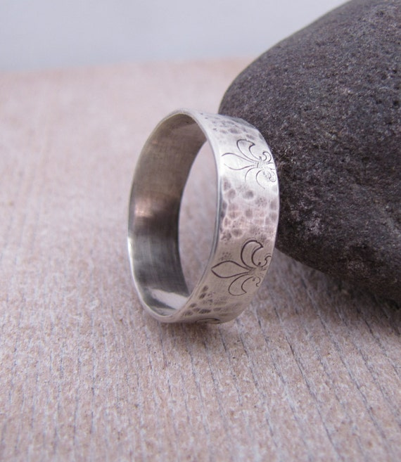 Fleur de Lis Ring. French Chic Wide Stamped Hammered Sterling Silver Ring Band. Custom Size.