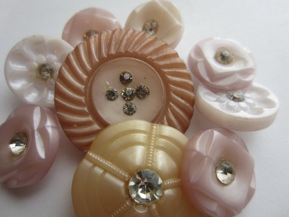 Vintage Buttons -  Pastel lot of pinks rhinestone embellished, lot of  9 acrylic (lot 2370)