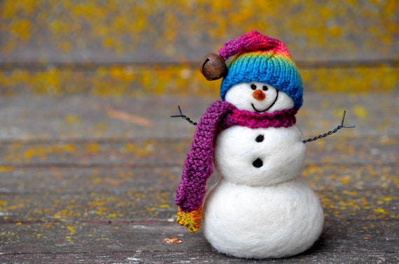 Needle Felted Snowman - Snowmen holiday decor - Christmas 102