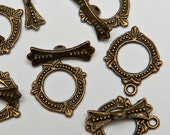 16 Victorian Ring Toggle Clasps in Antiqued Brass Tone, Lead/Nickel Free Base Metal Findings, M0457-AB