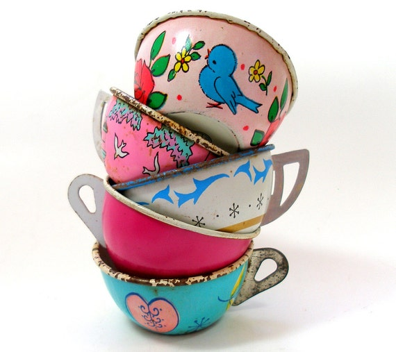 50s Tin Toy Tea cups, Sweetheart Set of 5 with birds, hearts, in pink & blue Instant Collection.
