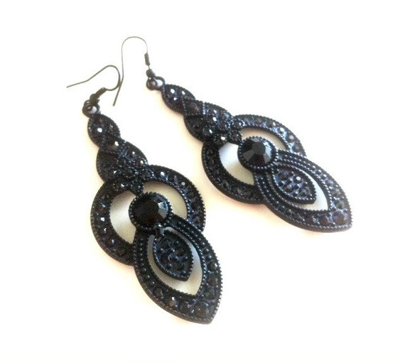 Black Metal Rhinestone Drop Earrings