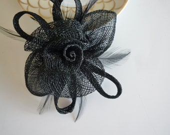 SINAMAY FASCINATOR and PIN,  Black with feathers / 1008