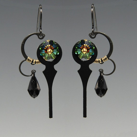 Cylmene II v4: Steampunk earrings with vitrail medium Swarovski crystals