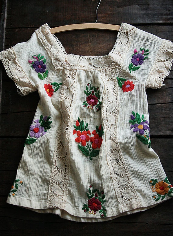 Vintage Boho Bohemian Lace & Embroidered Top Blouse Size S