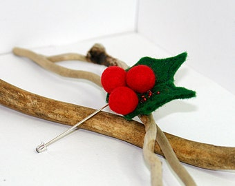 Felted brooch- Holly Berry pin, Christmas brooch pin, red and green, Holidays gift, boutonniere