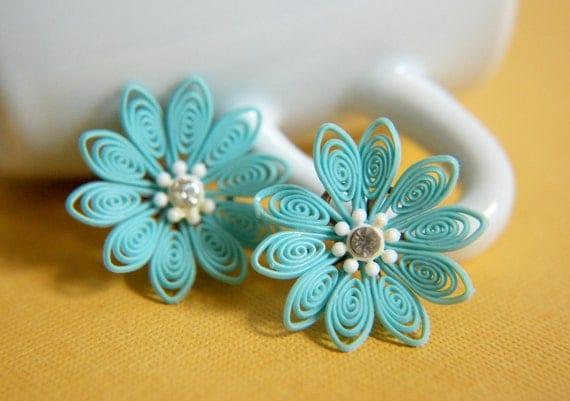 Vintage Flower Stud Earrings - Aqua Blue