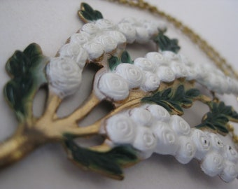 Flower Necklace White Green Gold Vintage Pendant