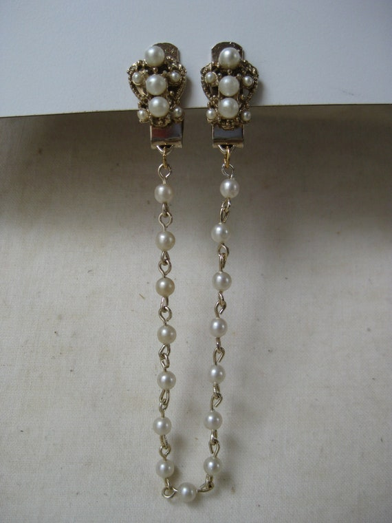 Gold Pearl Sweater Clip Guard Vintage