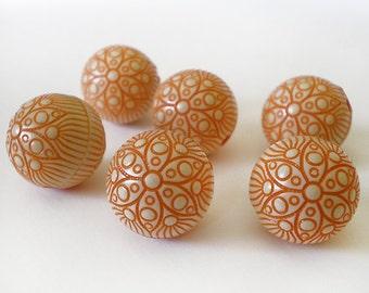 18mm Ornate Orange Cream acrylic beads - 6 pcs
