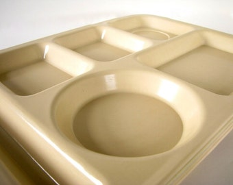 4 Vintage Tan Melamine School Lunch Trays by Syscoware