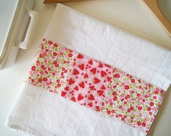 Kitchen Towel in Patchwork - Pink Strawberry