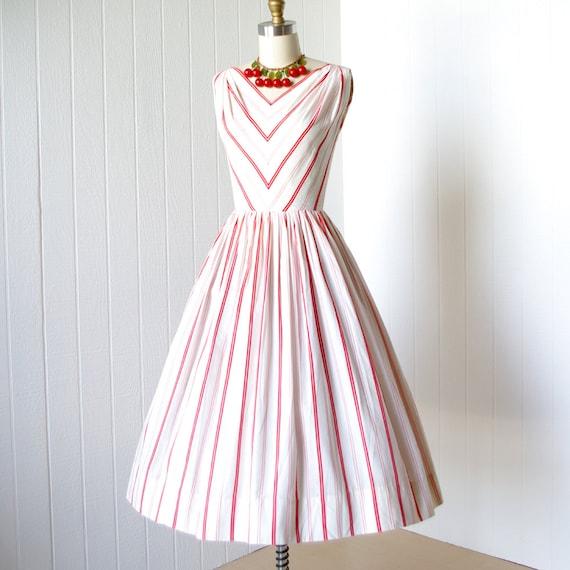 vintage 1950's dress ...fabulous SPORTLANE DEB saks fifth avenue white red woven chevron stripes cotton full skirt pin-up sun dress