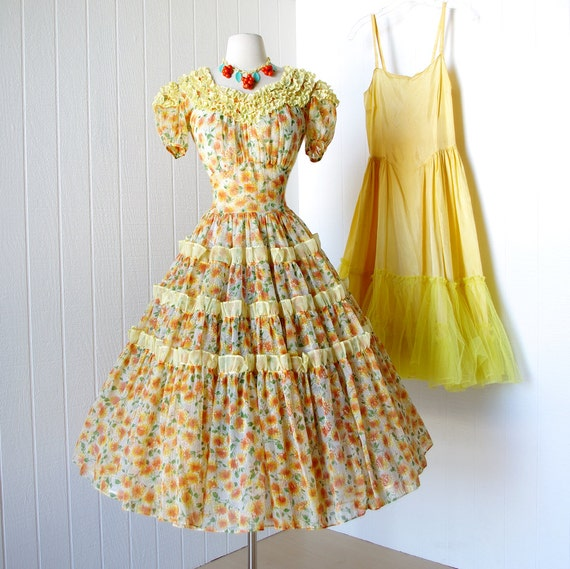 vintage 1940's dress ...beautiful girly TANGERINE FLORAL semi-sheer full skirt pin-up party dress with full crinoline underslip