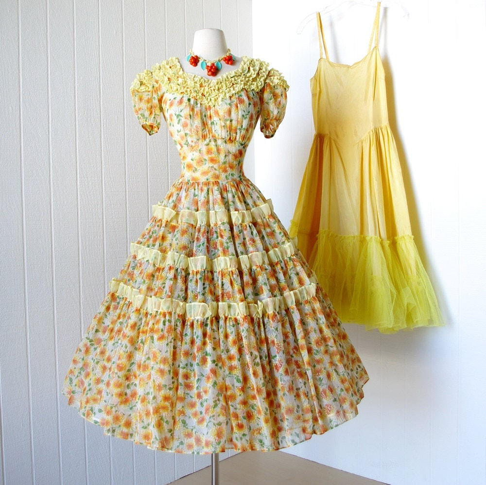 vintage 1940 s dress beautiful girly tangerine by traven7