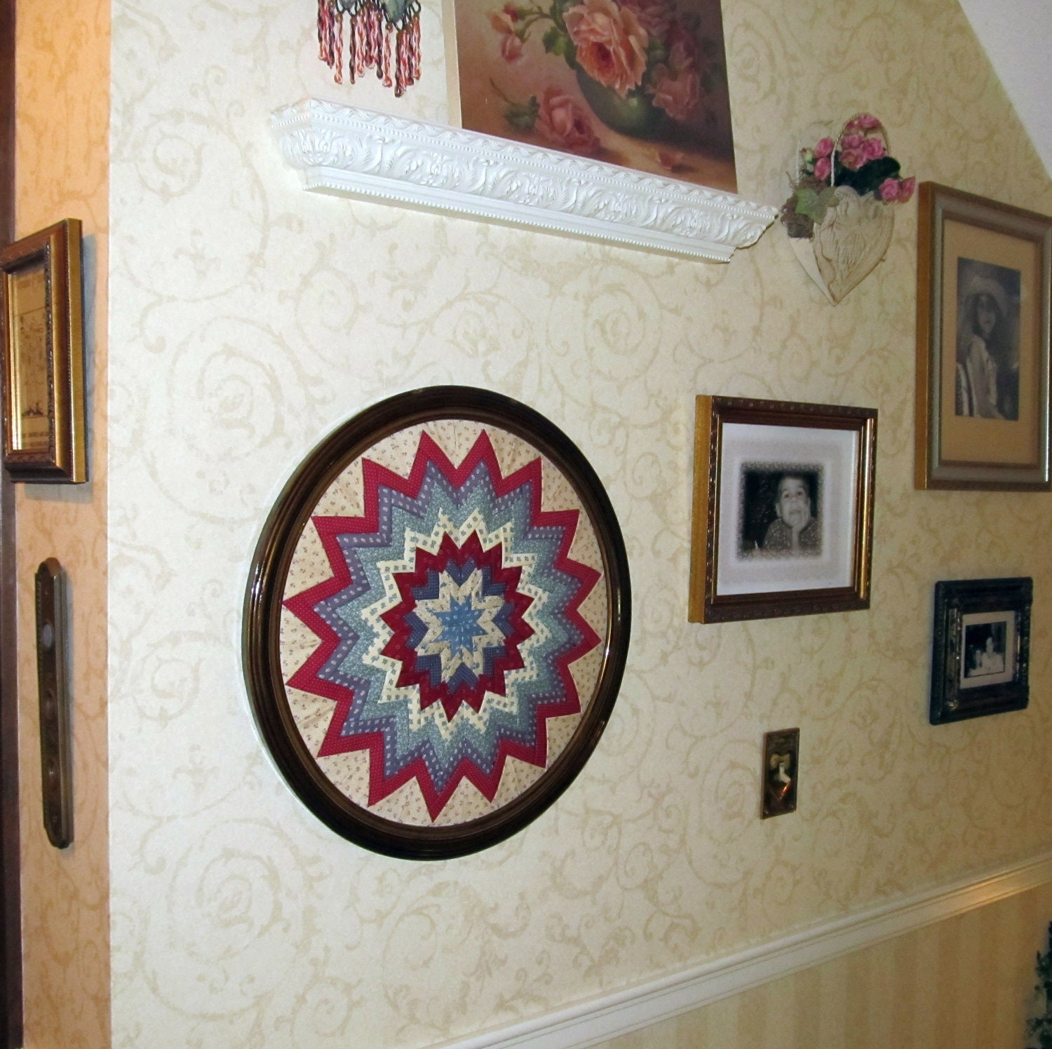 Folded Star Country Round Framed Wall Hanging Reduced