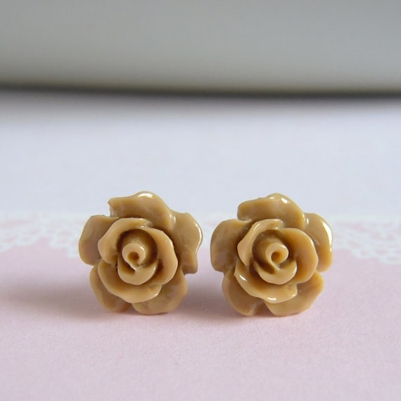 Dainty Rose Stud Earrings - Toffee Rose