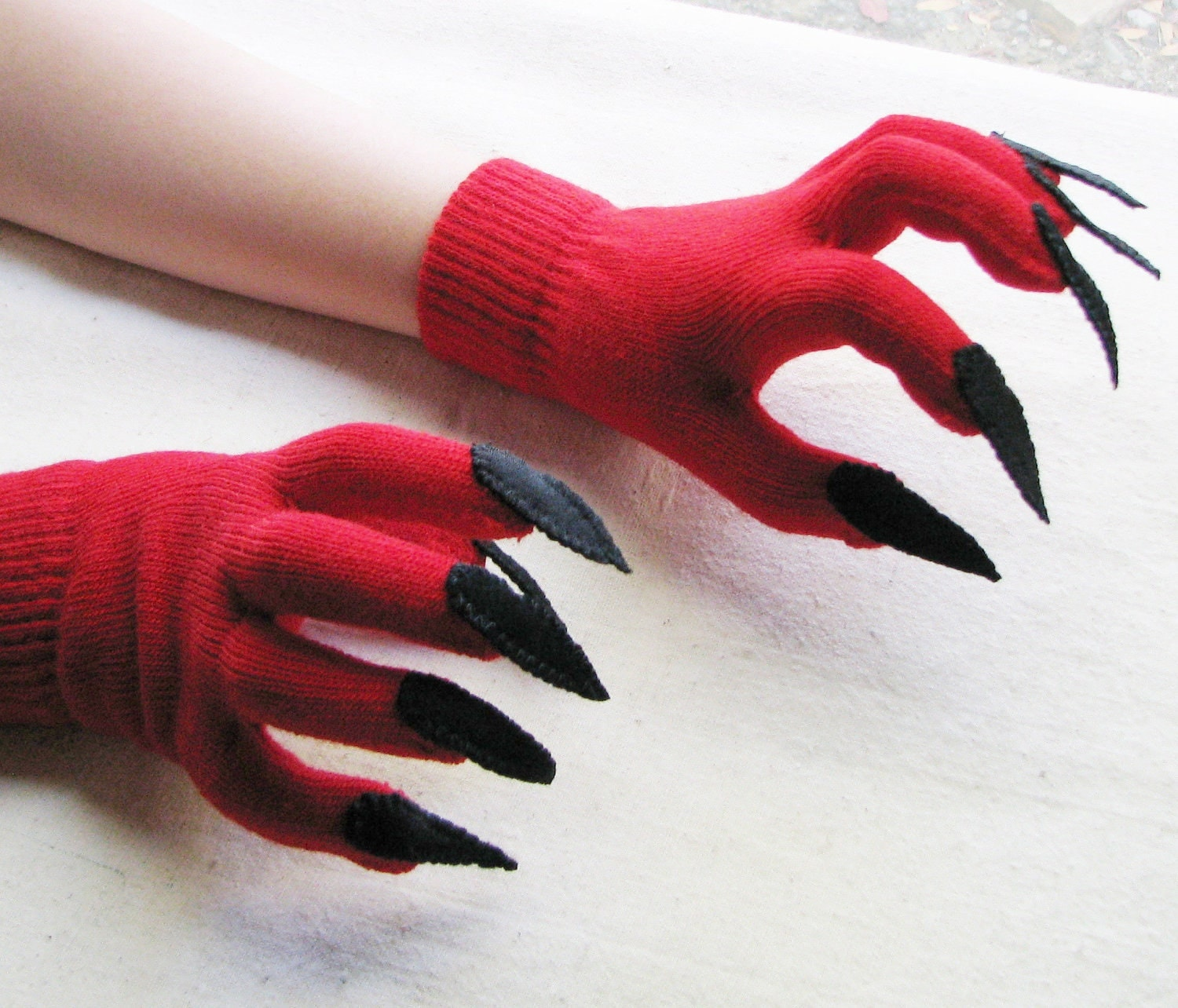 Gloves with claws red and black for Halloween costume or