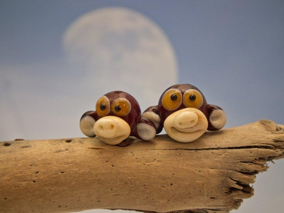 Fred and Barney... lampwork pair of monkey beads... sra
