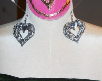 VINTAGE HEART EARRINGS Bling Rhinestones Silvertone Valentine Gift
