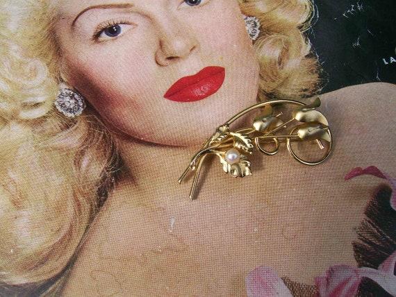 Vintage gold tone pearl flower cluster brooch Wedding Bridal