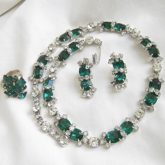 Vintage Signed KRAMER of NEW YORK Emerald Green and Clear Ice Rhinestones Necklace, Ring, and clip Earrings Demi Parure Set