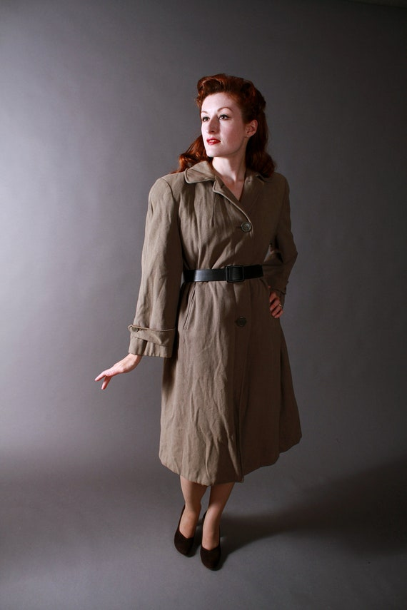 Vintage 1940s Womens WWII Era Coat in Military Drab