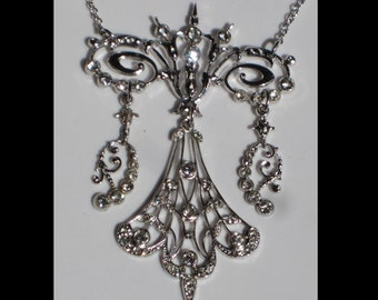 Vintage Accessocraft Antique Rhinestone Silver Pendant Necklace Garland Style Rhodium Plated
