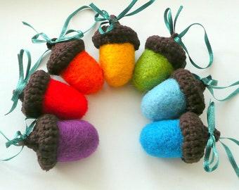 Felted acorn ornaments Rainbow big felt wool 7 Acorns garland nursery decor crochet brown hats gift decoration Birthday party