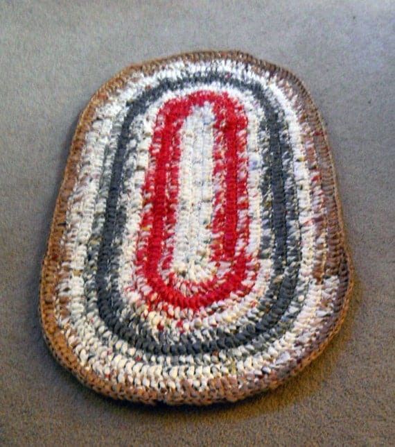 Brown, Gray, Red and White Oval Plarn Rug